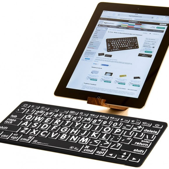 Logickeyboard-Bluetooth-Largeprint-American-English-WhiteonBlack-Keyboard2-p